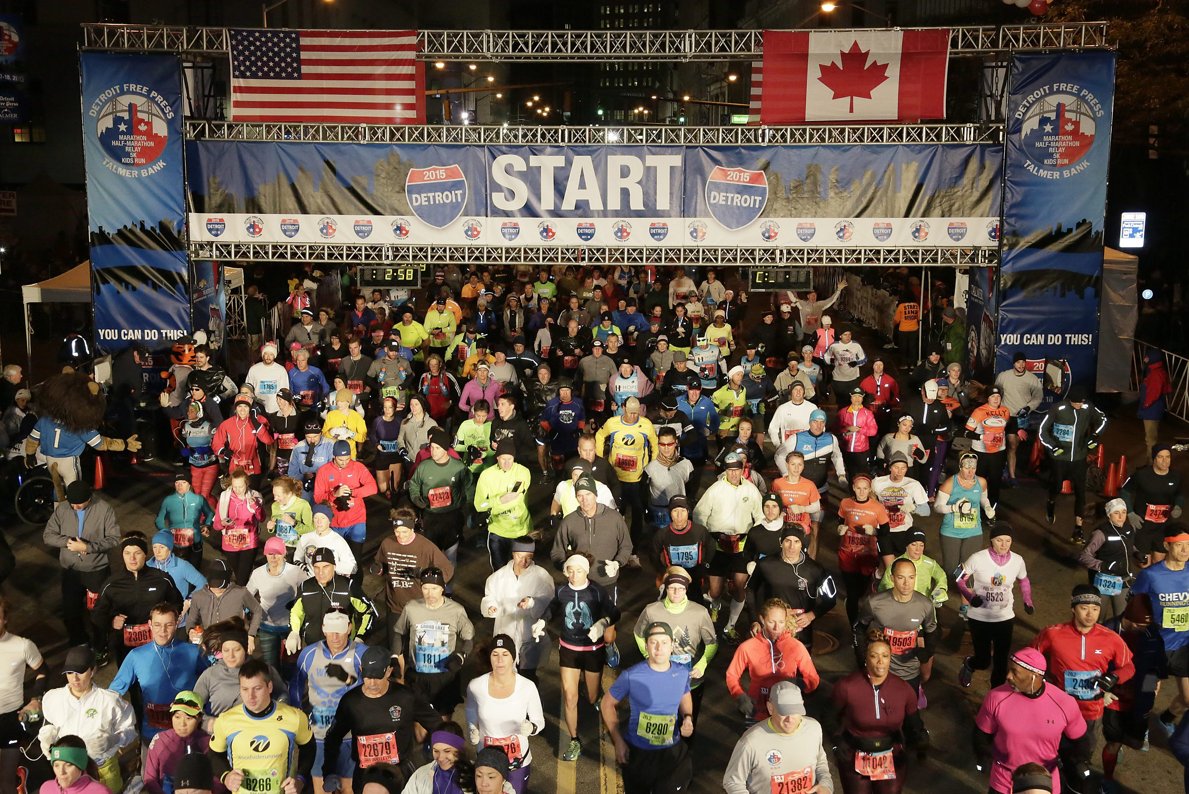 Image of the Detroit Free Press/Talmer Bank Marathon start line.